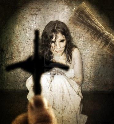 eca3f-13636561-el-exorcismo-y-una-mujer-poseida-por-el-diablo