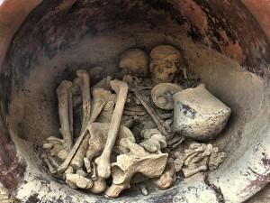 Restos-funerarios-300x225