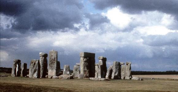 13b48 stonehenge efe - El arte prehistórico pudo inspirarse en sucesos sobrenaturales.