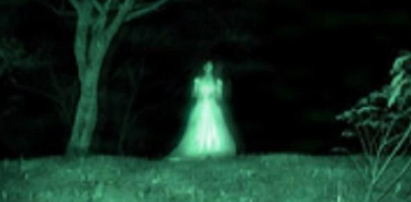 d347f-fantasma-dama-de-blanco